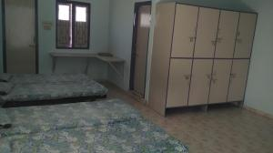 Darshan-Hostel-Room-Cupboard